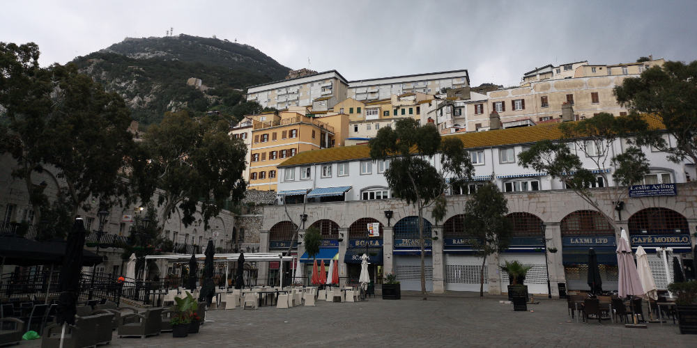 Gibraltar Casemates Square - www.upandaway.de