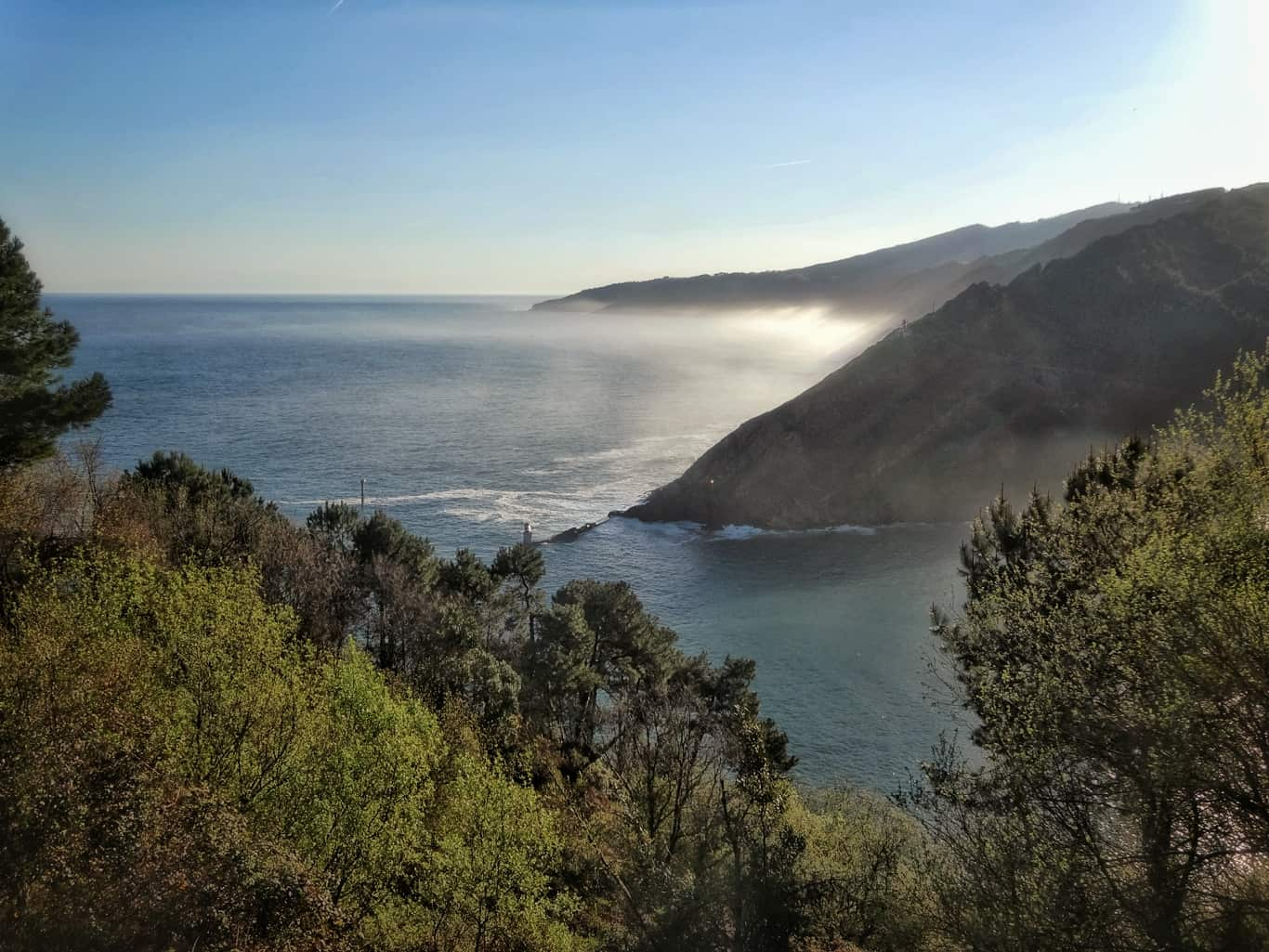 Jakobsweg Wetter: Nebel an der Küste